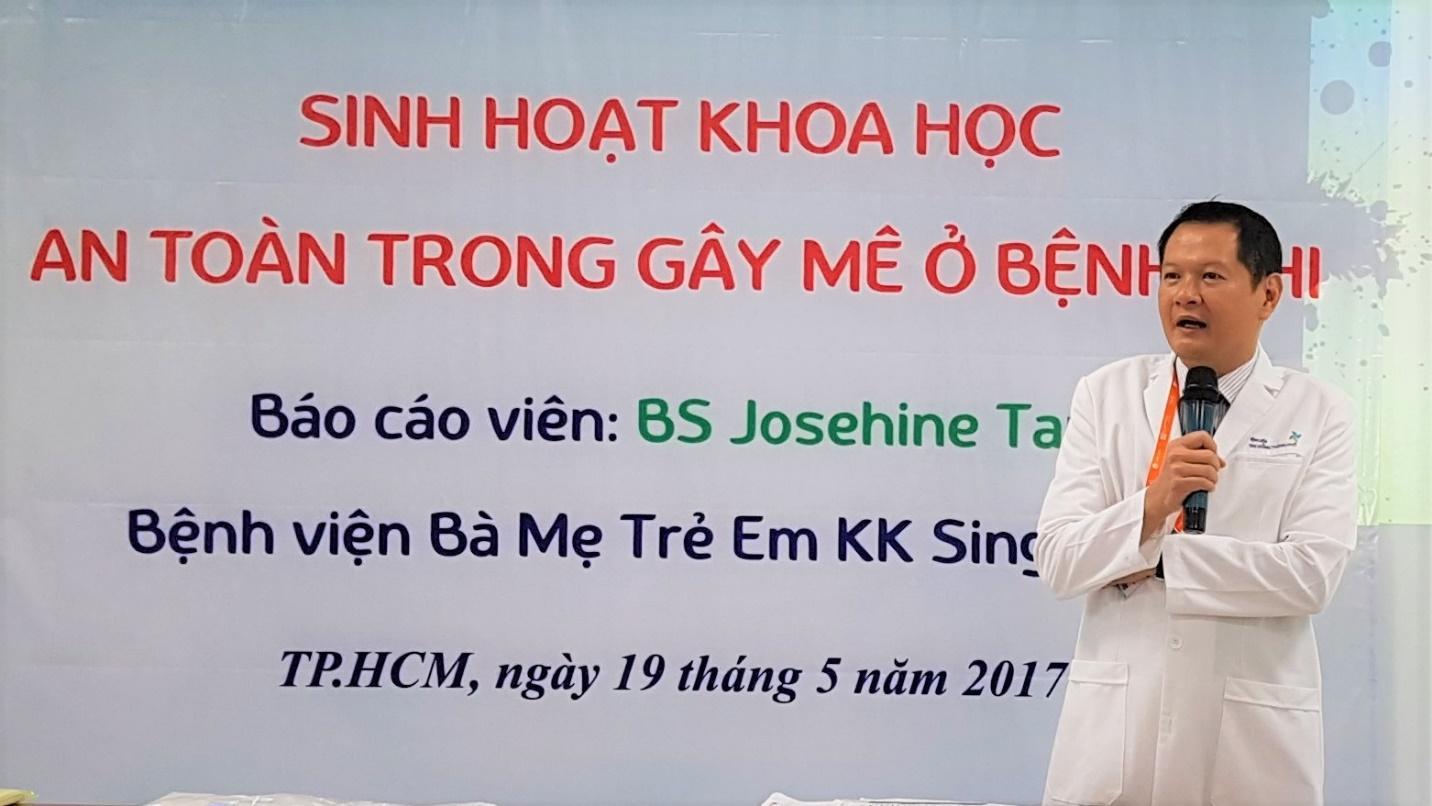 TS.Bs Trương Quang Định, Giám đốc Bệnh viện Nhi đồng Thành phố phát biểu khai mạc tại Hội thảo.