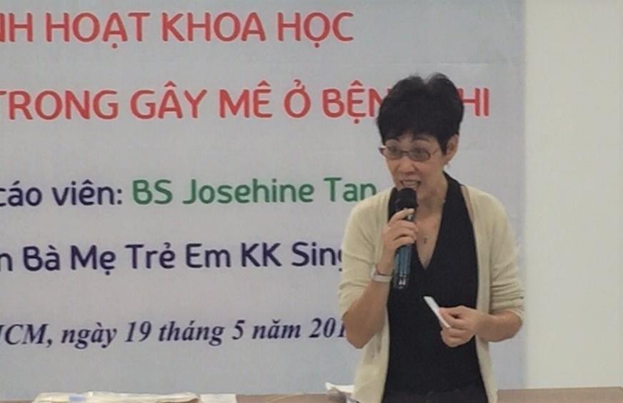 BS. Josephine Tan – Chuyên gia gây mê hồi sức đang làm việc tại Bệnh viện Bà Mẹ Trẻ Em KK Singapore nói về vấn đề thông khí một phổi ở trẻ em