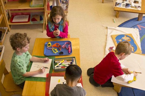 Tôn trọng quyền tự do của trẻ là nguyên tắc quan trọng nhất của phương pháp Montessori.(Ảnh minh họa)