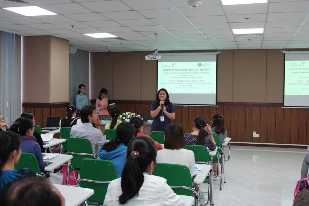 BS.CK2. Nguyễn Thị Thu Hà khai mạc hội nghị