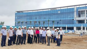 13/08/2016 Bà Nguyễn Thị Thu tháp tùng Ông Nguyễn Thành Phong Chủ tịch UBNDTP đi thị sát công trình xây dựng BV Nhi Đồng Thành Phố