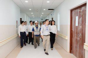 Ngày 28/11/21016: Bà Nguyễn Thị Thu đi kiểm tra cơ sở vật chất tại BV NĐTP , trước khi chuẩn bị bước vào hoạt động
