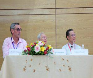 Báo cáo viên đoàn AVVRG báo cáo tại hội nghị