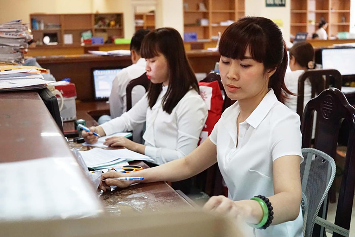 Từ 1-7- 2020, nhiều chính sách mới liên quan đến cán bộ, công chức, viên chức có hiệu lực. - Bệnh Viện Nhi Đồng Thành Phố