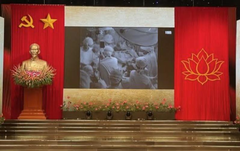 GS BS Trần Đông A – Phẫu thuật viên chính cho ca mỗ tách song sinh dính Việt – Đức và cố vấn chuyên môn cho ca mỗ tách song sinh dính Trúc Nhi – Diệu Nhi cách nhau 32 năm